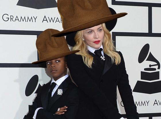 Dois memes em uma só foto: Madonna usa o chapéu de Pharrell Williams