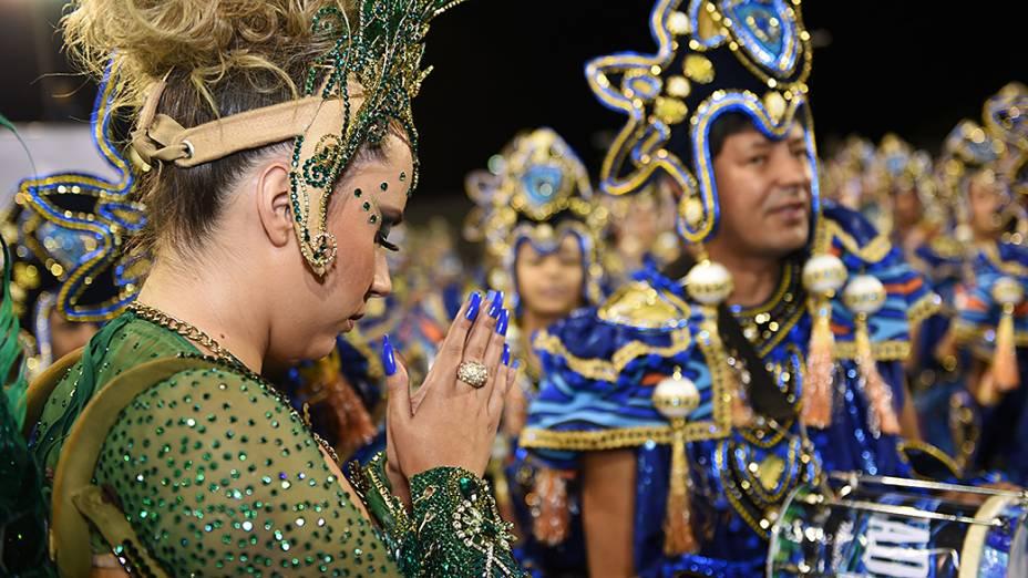 Bruna Fonseca, Princesa da Bateria da Vila Maria, se prepara para o desfile do Grupo Especial paulistano