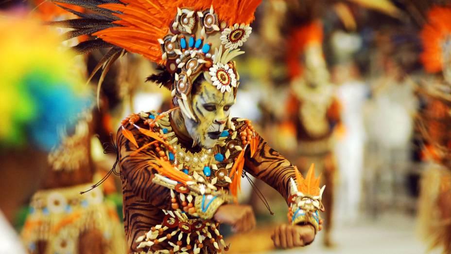 Desfile da Império da Casa Verde, quinta colocada no Carnaval 2013