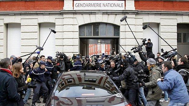 dsk-policia-franca-20120221-original.jpeg