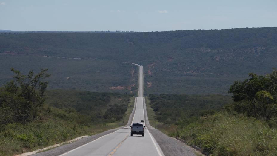 Estrada a caminho de Irecê (BA)