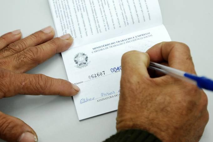 economia-trabalho-desemprego-carteira-20130527-57-original.jpeg