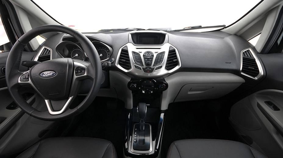Interior do novo EcoSport com câmbio automático