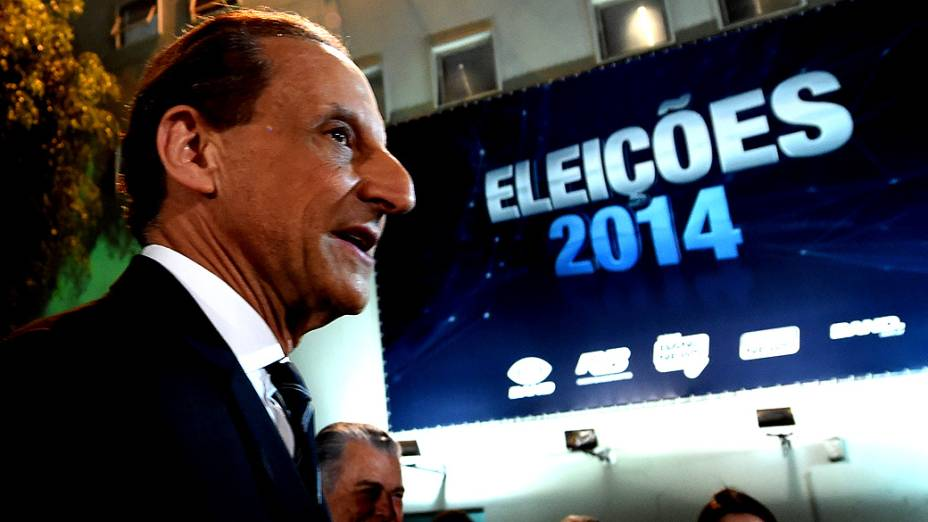 Paulo Skaf durante o primeiro debate das eleições 2014 entre os candidatos ao governo do Estado de São Paulo, promovido pela TV Bandeirantes, neste sábado (23), na sede da emissora, em São Paulo