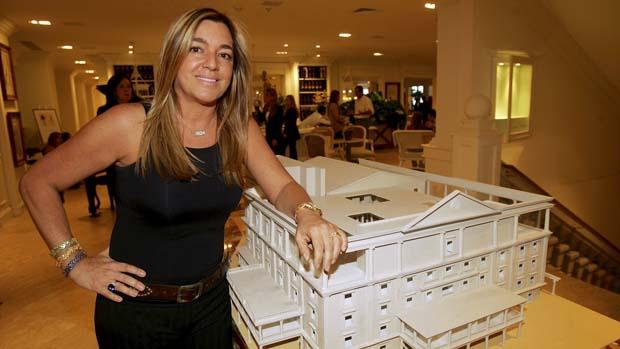 Eliana Tranchesi, empresária e dona da Daslu, na nova sede localizada na Vila Olímpia, em 2005