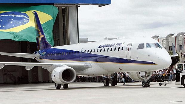 embraer-190-20110412-original.jpeg