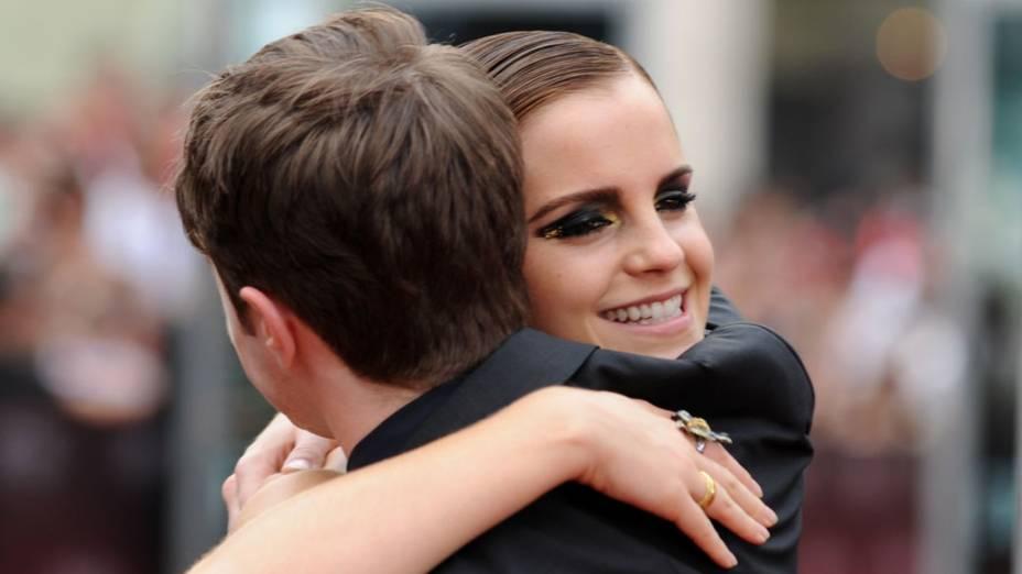 Emma Watson e Daniel Radcliffe no tapete vermelho para a pré-estreia de Harry Potter e as Relíquias da Morte – Parte 2, em Nova York