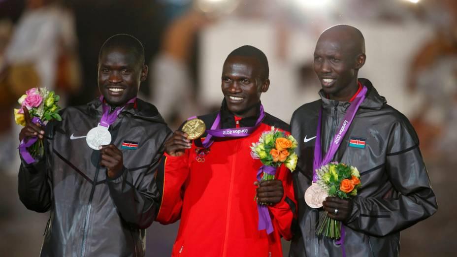Medalhistas da maratona na festa de encerramento dos Jogos Olímpicos de Londres