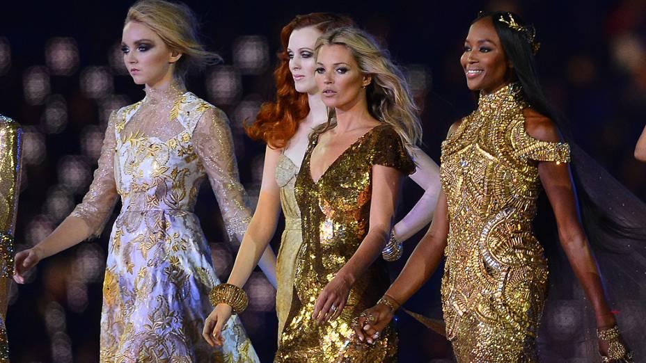 As modelos britânicas Lily Cole, Karen Elson, Kate Moss e Naomi Campbell nos Jogos Olímpicos de Londres