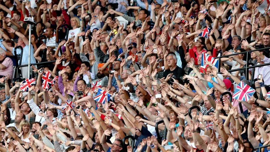 Público aguarda festa de encerramento dos Jogos Olímpicos de Londres
