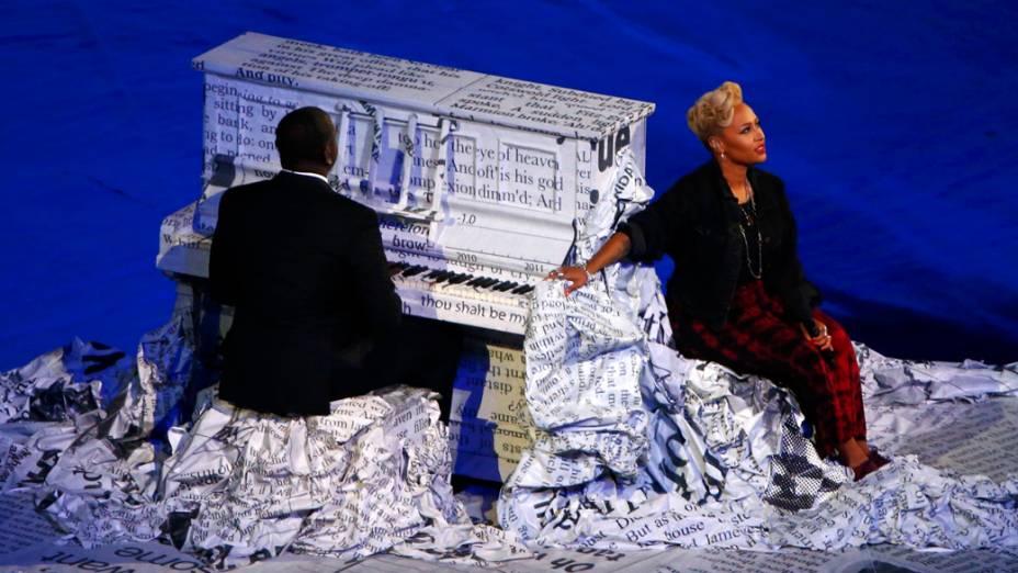 A cantora britânica Emeli Sande no encerramento dos Jogos Olímpicos de Londres, em 12/08/2012