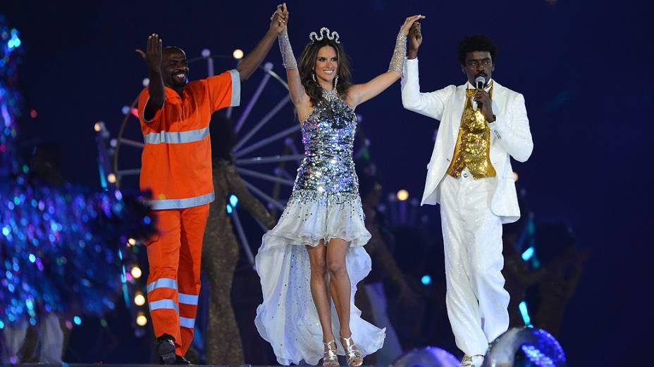 Renato Sorriso, Alessandra Ambrósio e Seu Jorge na festa de encerramento dos Jogos Olímpicos de Londres