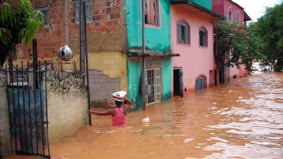 Enchente na cidade de Governador Valadares, Minas Gerais