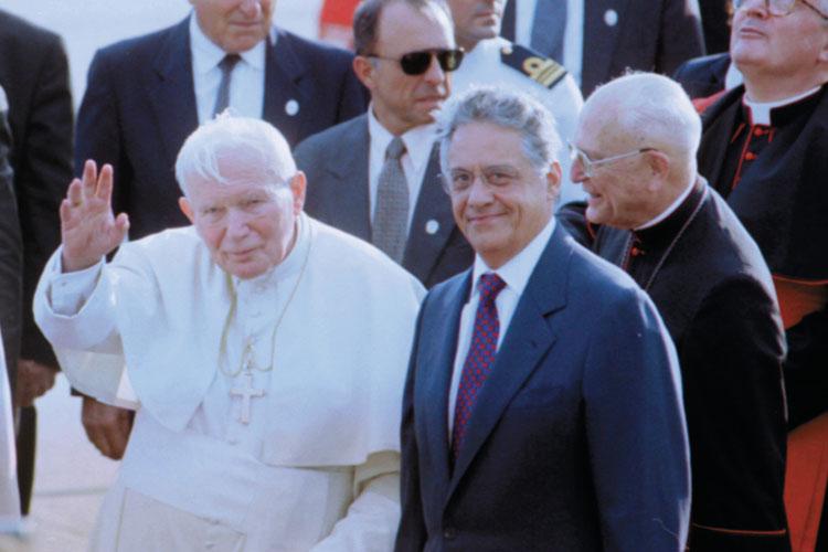 Com o presidente Fernando Henrique Cardoso e a primeira-dama Ruth Cardoso em sua terceira visita ao Brasil, em 1997.