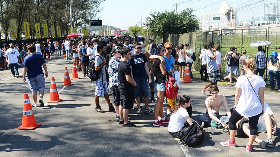 Fila antes da abertura dos portões no segundo dia do Rock in Rio 2013
