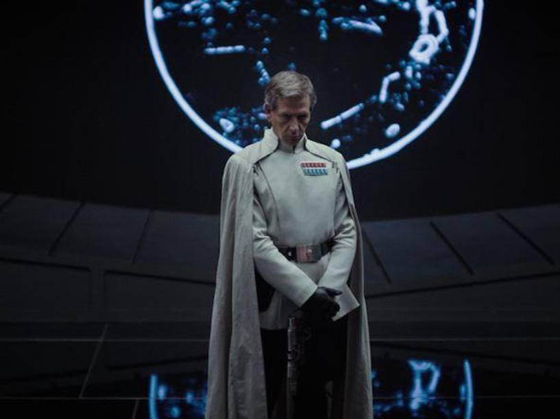 O ator Ben Mendelsohn em cena do filme Star Wars: Rogue One