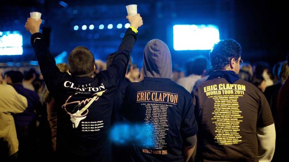 Fãs durante o show de Eric Clapton em Porto Alegre, em 06/10/2011