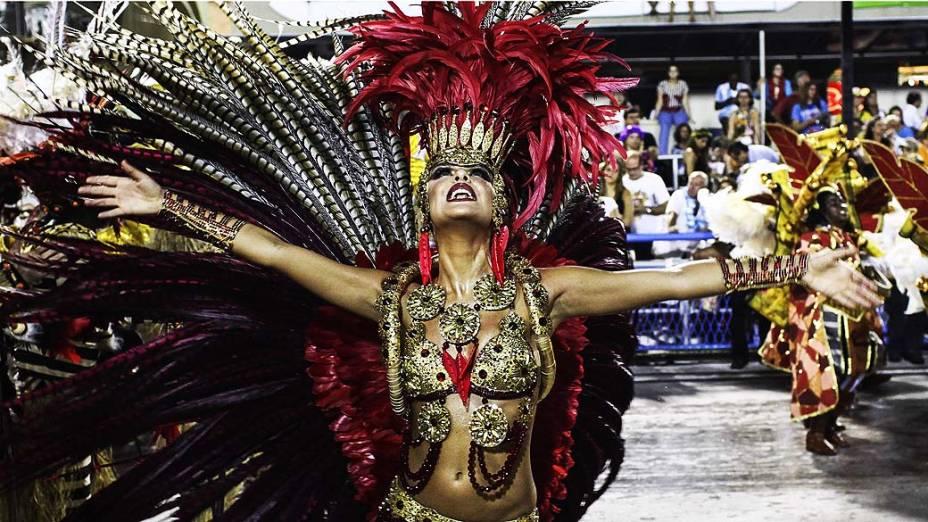Desfile da escola de samba Acadêmicos do Grande Rio pelo Grupo Especial, no Sambódromo Marquês de Sapucaí no Rio de Janeiro (RJ), neste domingo (02)