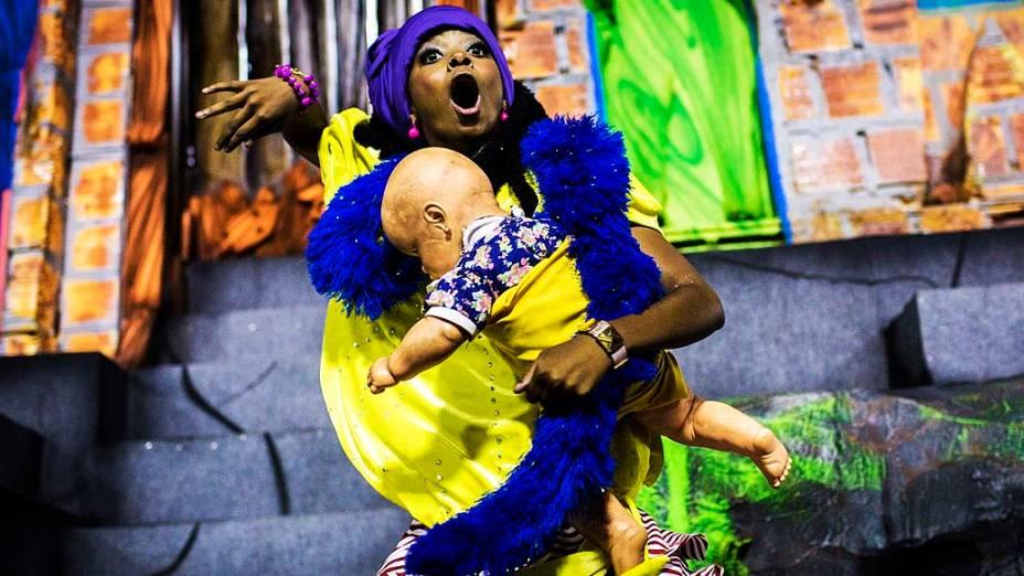 """Desfile da escola de samba São Clemente com o samba enredo """"Favela"""", pelo Grupo Especial do Carnaval do Rio de Janeiro, no sambódromo de Marques da Sapucaí"""