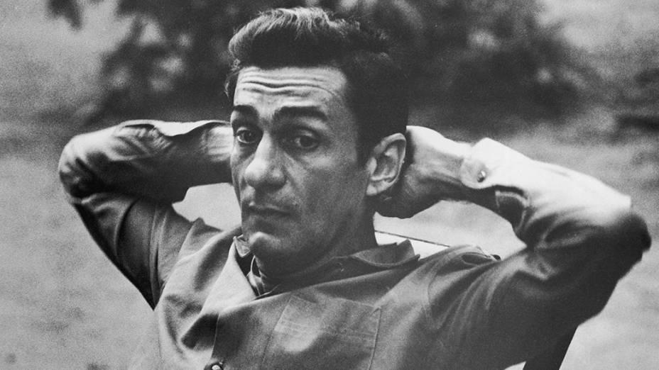 Na imagem, o dramaturgo, romancista e poeta e professor, Ariano Suassuna, em 1971