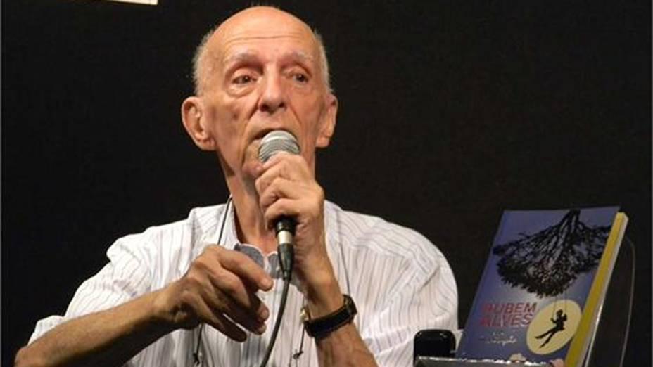 O escritor Rubem Alves,durante o lançamento de seu livro, Rubem Alves em Meditação,em evento na Fnac de Campinas, no ano passado