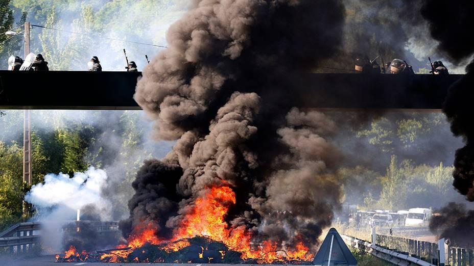Mineiros protestam contra a ação do governo para cortar os subsídios ao carvão em Santander, na Espanha