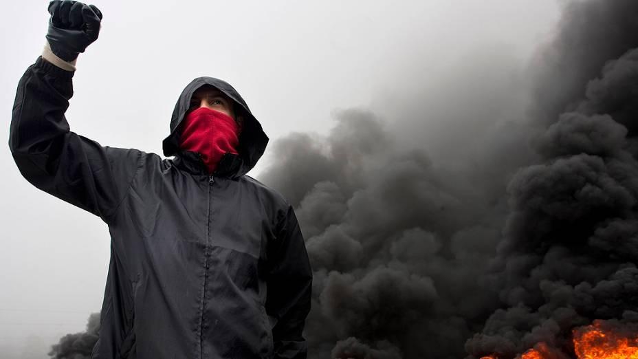 Mineiros em greve bloqueiam o trânsito em El Montico e outros pontos de Asturias, provocando quilômetros de congestionamento, na Espanha