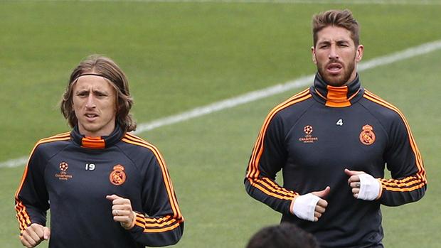 Os jogadores Luka Modric e Sergio Ramos durante treino
