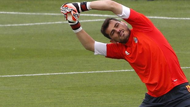 O goleiro do Real Madrid, Iker Casillas, durante treino na Espanha