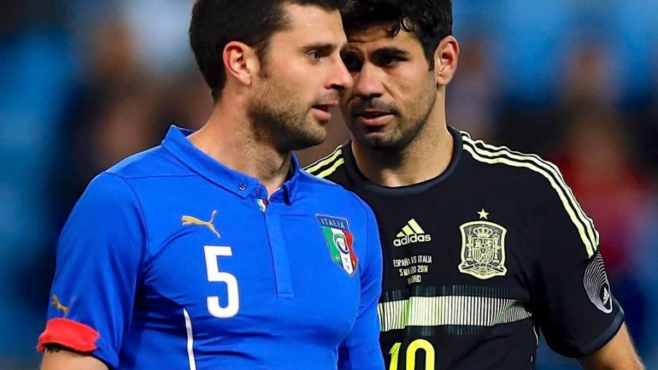 Thiago Motta e Diego Costa no amistoso entre Itália e Espanha, em março