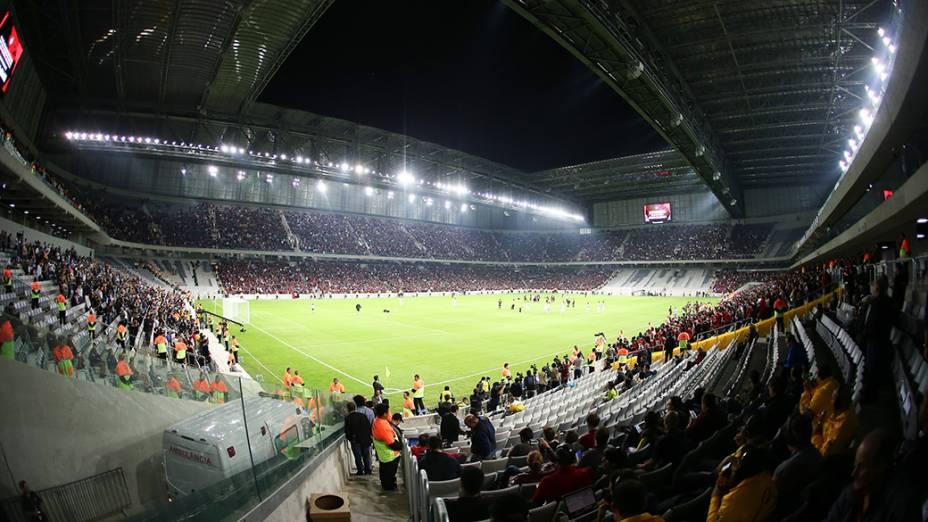 Visão geral da Arena da Baixada, durante o jogo teste entre o Atlético Paranaense e Corinthians