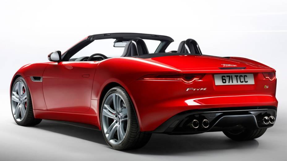F-Type terá três versões, com motor V6 3.0 de 340 e 380 cv, e V8 5.0, com 495 cv