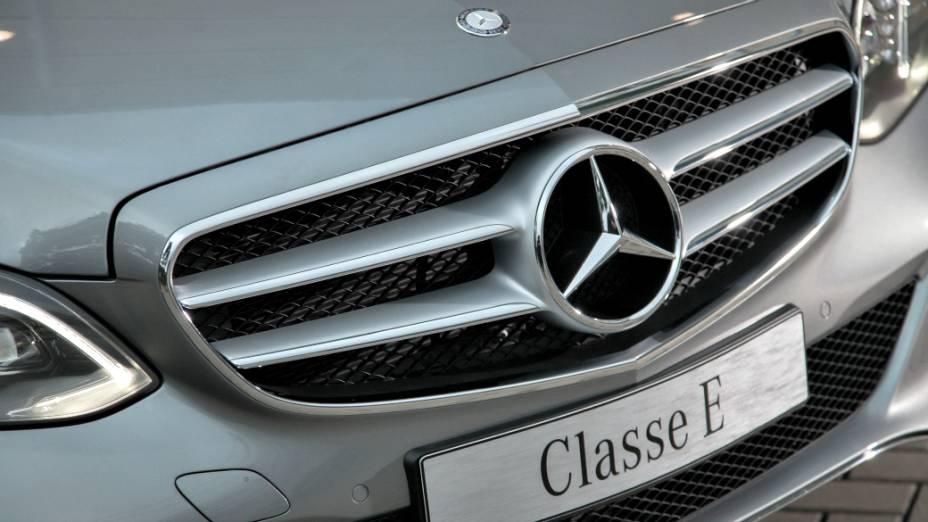 No Classe E, sedã de luxo, foi lançado na Europa em março