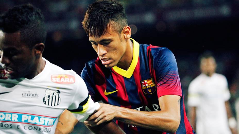 Neymar ajudou na marcação...