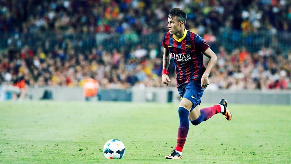 Neymar durante jogo entre Barcelona e Santos no Camp Nou em Barcelona