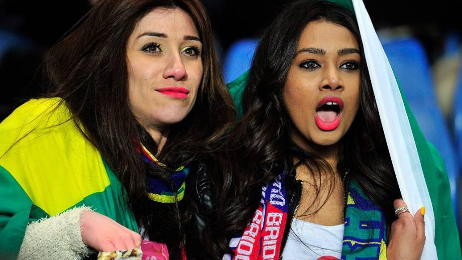 Tocida brasileira comparece no amistoso entre Brasil e Rússia, no estádio Stamford Bridge em Londres