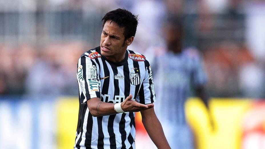 Neymar durante primeira partida da final do Campeonato Paulista de Corinthians e Santos, no Pacaembu, São Paulo