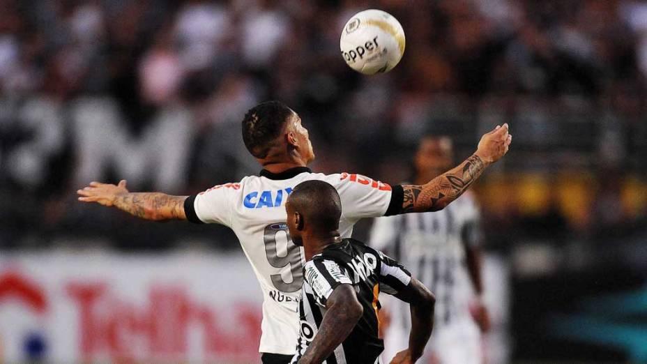 Guerrero durante primeira partida da final do Campeonato Paulista de Corinthians e Santos, no Pacaembu, São Paulo