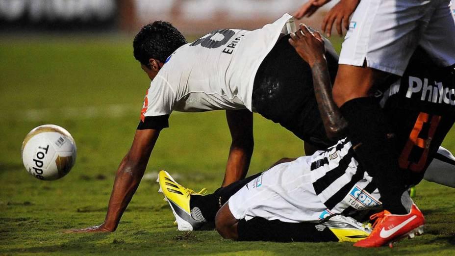 Corinthians vence a primeira partida da final do Campeonato Paulista por 2 a 1, no Pacaembu, São Paulo