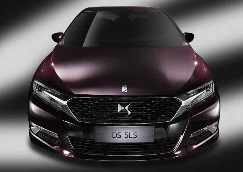 Sedã 5LS está sendo produzido na fábrica de Shenzhen, na China