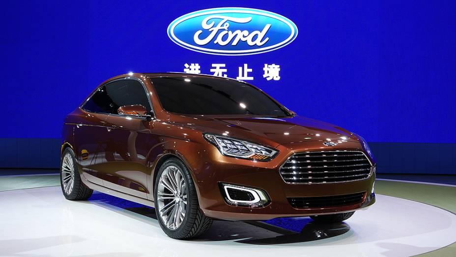 Sedã compacto apresentado como conceito em 2013 vai entrar em produção