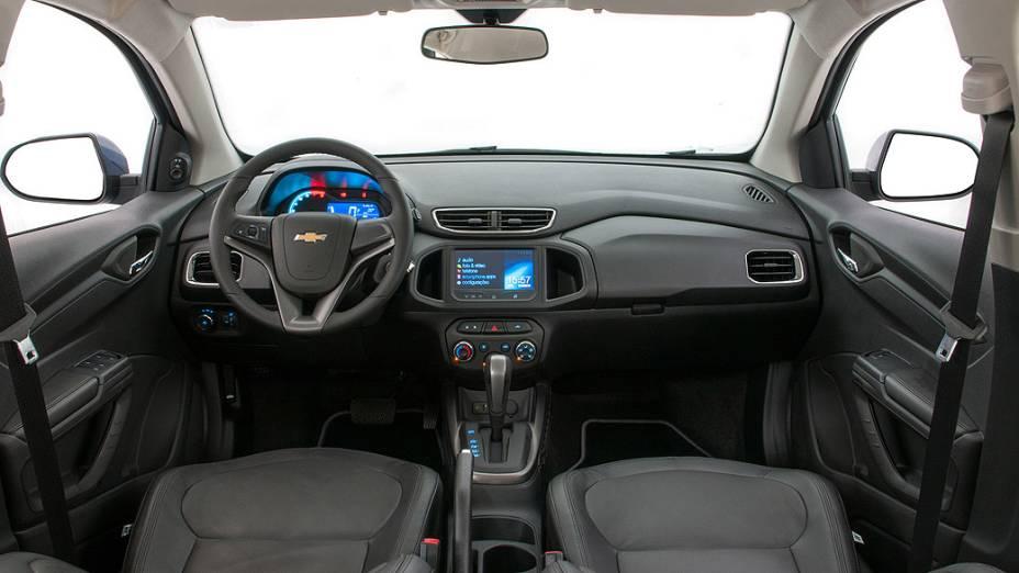 Interior do Onix 2014 automático
