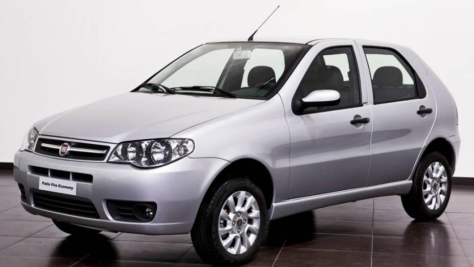 Fiat Palio Fire: a álcool, 8,0 km/l (cidade) e 10,1 km/l (estrada); a gasolina, 12,2 km/l (cidade) e 15,4 km/l (estrada)