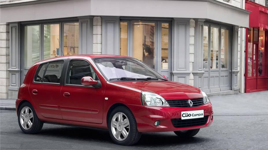 Renault Clio Campus (2012): a álcool, 8,6 km/l (cidade) e 9,2 km/l (estrada); a gasolina, 11,5 km/l (cidade) e 14,5 km/l (estarda)