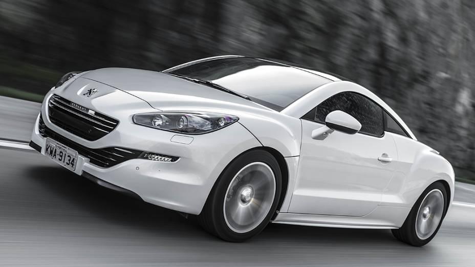 Peugeot RCZ: motor turbo e injeção direta de gasolina e 165 cv