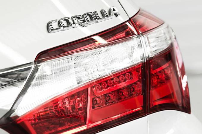 esporte-carros-toyoto-corolla-altis-2015-20140208-013-original.jpeg