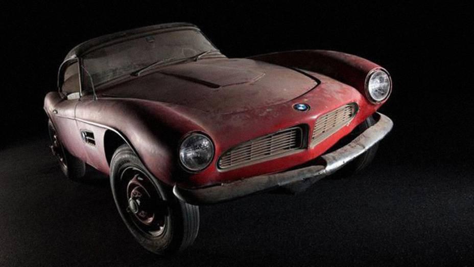 BMW 507 1957 foi pintado na cor vermelha pelo rei do rock