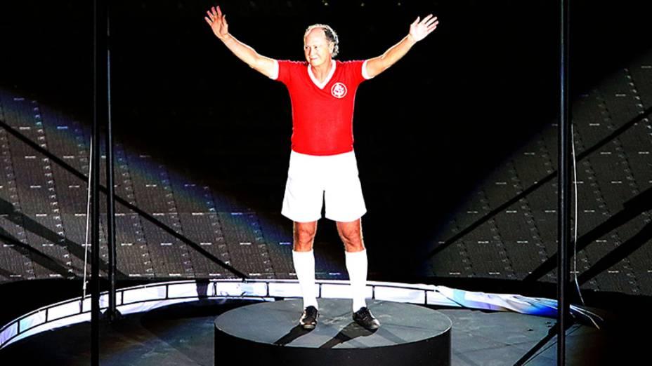 Paulo Roberto Falcão, homenageado na festa de reinauguração do estádio Beira Rio que será palco de partidas da Copa do Mundo 2014