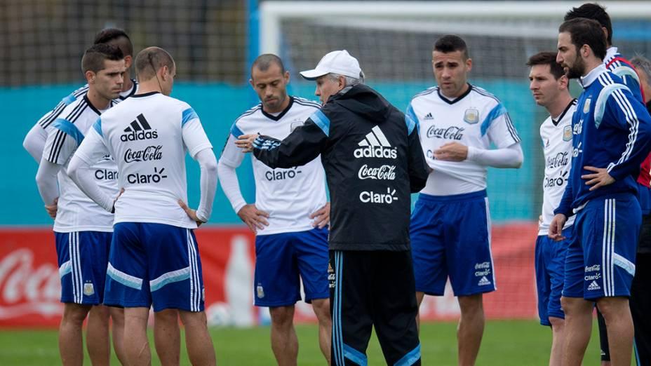 Seleção Argentina durante o treino deste sábado (31), em Buenos Aires
