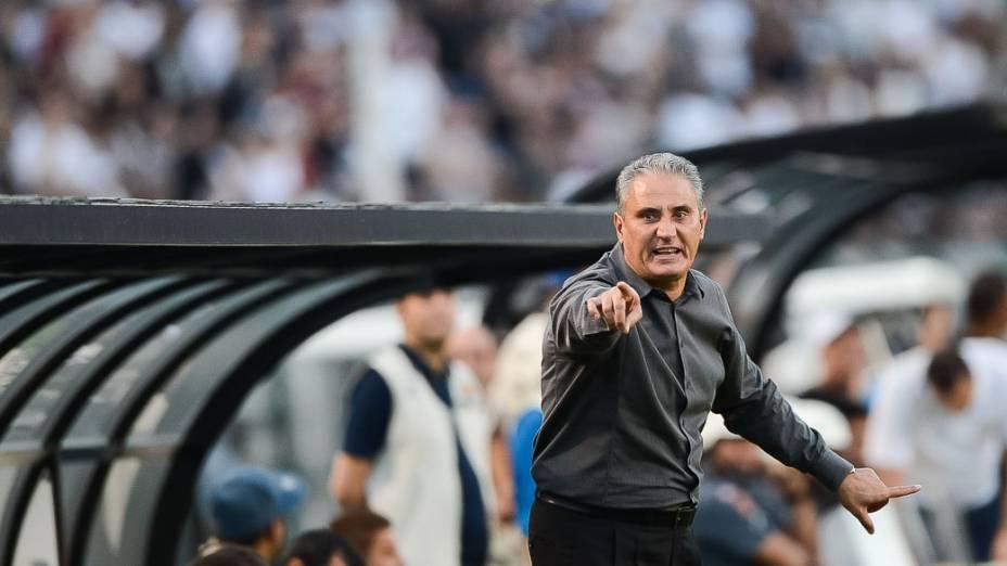 Tite durante partida do Atlético Mineiro e Corinthians, válida pelo Campeonato Brasileiro 2013, no Pacaembu